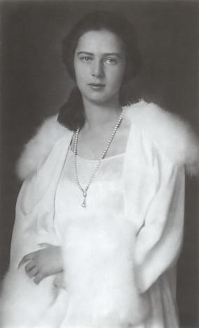 printesa-Ileana-romania-casa-regala-monarhie-Archduchess-Ileana-of-Austria-Princess-of-Hungary-Croatia-Bohemia